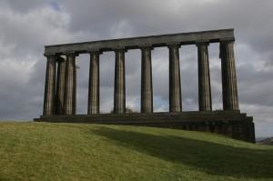 Edimburgo es una ciudad ideal para realizar rutas diversas y descubrir nuevos rincones y monumentos